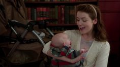 4.07 The Snow Queen - Once Upon A Time - Aurora and her little baby Phillip Jr.