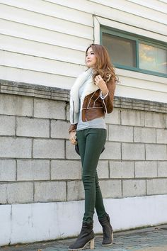 Green skinny jeans and brown suede jacket, cute black boots