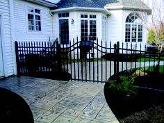 Aegis style fence and gate. (503)760-7725
