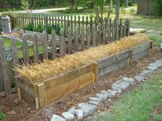 The Simple Life's for Me: strawbale garden