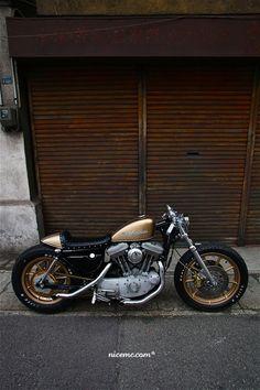 A rather nice custom Harley from Nice MC.