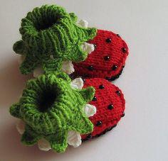 Ladybug baby booties, knitted.