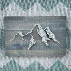 Mountain string and nail art. Show your love of the PNW! Mountain | Art | String Art | Mountain String Art | Home Decor | Gift | Etsy