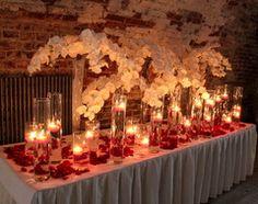Kukka- ja kynttiläpöytä