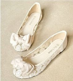$29.99  lace Flat Shoes sandals Round head pointed shoes heel:1cm 35---39size 2 colors 2 styles