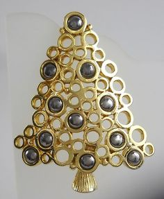 christmas tree pin