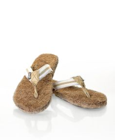 Cocoze coconut fibre flip-flops! Made in Canada. Super comfy and even exfoliate your feet as you walk! www.cocoze.com