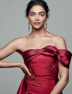Bollywood Fashion, Bollywood Actress, Bollywood Style, Bollywood Girls, Deepika Padukone Saree, Aishwarya Rai, Saree Hairstyles, Shotting Photo, Modern Saree