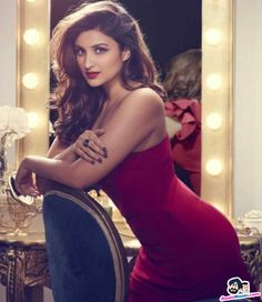 Parineeti chopra bollywood tempting insane beauty face unseen latest hot sexy images of her body show and navel pics with big cleavage and b. Parineeti Chopra, Priyanka Chopra Sister, Anushka Sharma, Indian Bollywood, Bollywood Stars, Bollywood Fashion, Bollywood Images, Beautiful Bollywood Actress, Beautiful Indian Actress