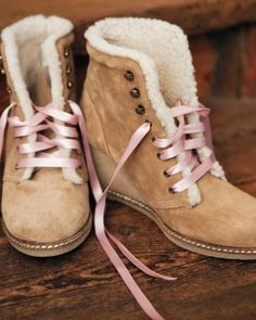 This bride wore toasty shearling wedges with pink laces for outdoor photos