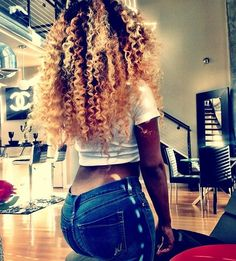 Find images and videos about hair and curly on We Heart It - the app to get lost in what you love. Love Hair, Big Hair, Gorgeous Hair, Crazy Hair, Big Chop, Natural Hair Tips, Natural Hair Styles, Natural Curls, Hair Colorful