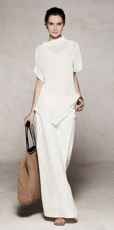 white and naturals ... love it! Style Work, Style Désinvolte Chic, Mode Style, Style Me, Fashion Mode, Look Fashion, Womens Fashion, Fashion Trends, Fashion Decor