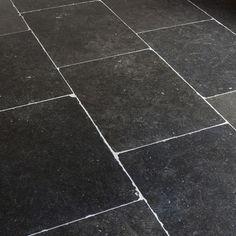 Belgisch Hardsteen Liege Verouderd (2cm dik) - Tegels.com