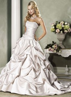 Vera Wang wedding dress... could this be made into a sweetheart neckline?