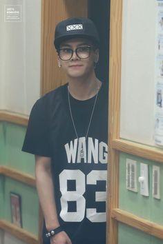 Jackson oh my gosh kiss me with those glasses on❤️❤️: