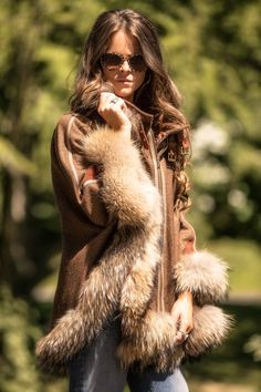 NEW!! Gold Label Cape in Mocha. To order call the office on 01608658063