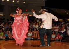 Resultado de imagen para vestimenta para bailar cumbia colombiana