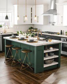 🌟 Make trendy pendants part of your kitchen lighting design.