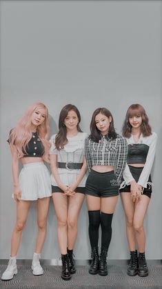 Jennie and lisa cut hair👩💇💖 Kim Jennie, Girls Generation, Mode Kpop, Blackpink Video, Black Pink Kpop, Mode Rose, Blackpink Members, Blackpink Photos, Kim Jisoo