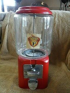 Vintage 1949 Acorn Brand One-Cent Gumball Machine with Key Morris Illinois, Acorn And Oak, Gumball Machine, Vending Machine, Bubble Gum, Key, Good Things, Free Shipping, Vintage