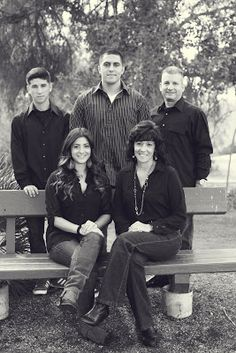 Large family photo shoot - Stephanie Needham Photography
