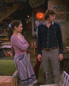 I like her outfit; The Flores Sisters: Style Icon: Jackie Burkhart! Kelso And Jackie, Jackie That 70s Show, Mila Kunis, Tv Show Outfits, 70s Outfits, Fashion Tv, Thrift Fashion, The Crush 1993, Thats 70 Show