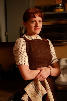 The Ultimate 'Mad Men' Fashion Gallery Mad Men Fashion, 1950s Fashion, Vintage Fashion, Mad Men Peggy, Mad Men Characters, Peggy Olson, Elizabeth Moss, Men Tv, Mad Women
