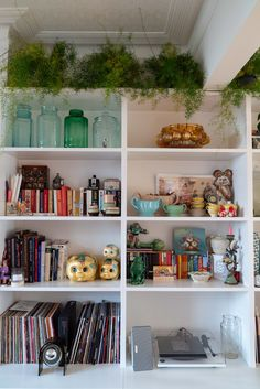 Home Tour: Tiny & The House - The Frugality Victorian Terrace Interior, Victorian House Interiors, Victorian Homes, Flat Interior, Interior Styling, Interior And Exterior, Norfolk House, The Frugality, Tiny House Plans