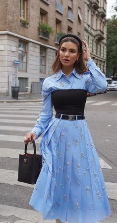 Milan Fashion Week Street Style Negin Mirsalehi Source by lustandlettuce fashion hijab Fashion 2020, Look Fashion, High Fashion, Fashion Design, Milan Fashion, Fashion Week, Korean Fashion, Fall Fashion, Fashion Tips