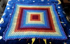 Check out this item in my Etsy shop https://www.etsy.com/listing/232146934/rainbow-delight-crochet-granny