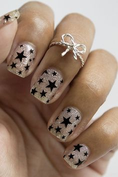 Cool Star Nail Art Designs With Lots of Tutorials and Ideas Black Star Nails. This is all sorts of perfect! I love it, so clever! This is all sorts of perfect! I love it, so clever! Star Nail Designs, Simple Nail Art Designs, Fall Nail Designs, Beautiful Nail Designs, Beautiful Nail Art, Acrylic Nail Designs, Fingernail Designs, Bow Nail Art, Star Nail Art