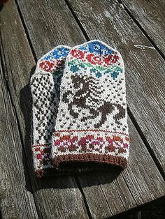 Craftsy: Gorodets Mittens knitting pattern by Kulabra Designs — $6.00 Bought it via Ravelry: will be knitting these for a true horse girl.
