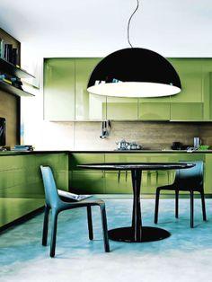 Designer: Paolo Nava et Fabio Casiraghi. Green kitchen.