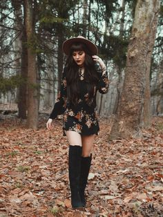 hats and boots Edgy Outfits, Mode Outfits, Fall Outfits, Fashion Outfits, Womens Fashion, Grunge Outfits, Witch Fashion, Look Fashion, Autumn Fashion