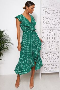 Looking for Day Dresses? Call off the search with our Mica Green Polka Dot Frill Wrap Dress. Shop unique fashion at SilkFred Polka Dot Summer Dresses, Red Summer Dresses, Celebrity Casual Outfits, Fashion Bible, Long Midi Dress, Dot Dress, Frill Dress, Wrap Dress, Fashion Outfits