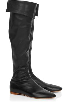 Knee-high leather boots, these would be lovely once my last pair like these finally get worn out.