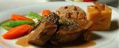 Resultado de imagen para comidas gourmet Chefs, Steak, Pork, Favorite Recipes, Gastronomia, Dishes, Meals, Restaurants, Star