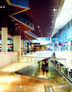 Centro comercial l 39 illa diagonal barcelona centro - Centro comercial illa ...