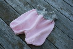Knit baby bubble romper or jumper 0-6 months in pink knitted outfit Ready to ship    READY TO SHIP    This beautiful hand knit bubble romper