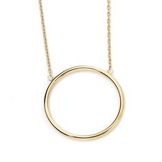 9ct Gold Open Circle Necklace - Extremely simple but effective, catches the eye when worn on the skin. #Amuletfinejewellery #Amulet #gold #necklace #berkhamsted