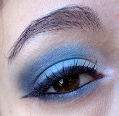 http://blogmaquilha-te.blogspot.pt/2013/05/30-days-makeup-challenge-day-4-blue.html