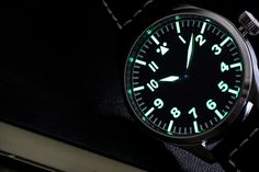 Amazing lume on the 47 mm Observer watch with historical Phenix movement from Handmade in Germany by Torsten Nagengast. Vintage Watches, Rolex Watches, Pilot, Shots, Germany, Military, Type, Amazing, Classic