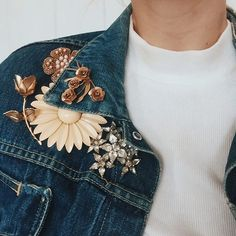 How to wear a brooches on your denim jacket.