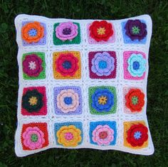 Flowers In The Snow        Crochet flower       Bobble Bonnet         Flower Flip-flops        Granny Stripes Shawl        Hexagon Bag ...