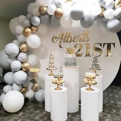 Source Wedding Backdrop circle round white wedding arch metal for weddin. - Source Wedding Backdrop circle round white wedding arch metal for wedding decoration stage - White Party Decorations, 21st Birthday Decorations, Balloon Decorations, Baby Shower Decorations, Wedding Decorations, Balloon Garland, Elegant Birthday Party, 40th Birthday Parties, Birthday Table