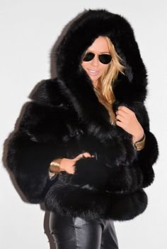 Shop Women's Black size L Jackets & Coats at a discounted price at Poshmark. Description: Beautiful warm Fux fur jacket with tags. Fur Fashion, Look Fashion, Winter Fashion, Womens Fashion, Petite Fashion, Winter Outfits, Cool Outfits, Fox Fur Coat, Fur Coats