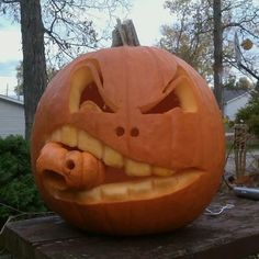 Every year, nearly 9 billion dollars are collectively spent on Halloween! But can this money bring on a celebratory mood? Harry Potter Pumpkin Carving, Pumpkin Face Carving, Amazing Pumpkin Carving, Pumpkin Carving Patterns, Pumpkin Faces, Halloween Inspo, Halloween Pumpkins, Candy Experiments, Giant Pumpkin