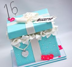 Use as inspiration to make a gift card box (see if Ruben can make or I can order it from somewhere)