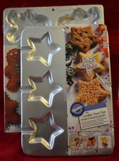 2 Wilton Christmas Cake Pans Gingerbread Boy Star Cookie Treat Inserts NOS