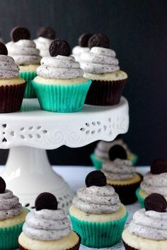 Take a look at this cookies and cream cupcakes recipe! Then, check out our cake stands to display your dessert masterpiece: http://www.custommade.com/search/?q=cake+stand #dessert #cupcakes